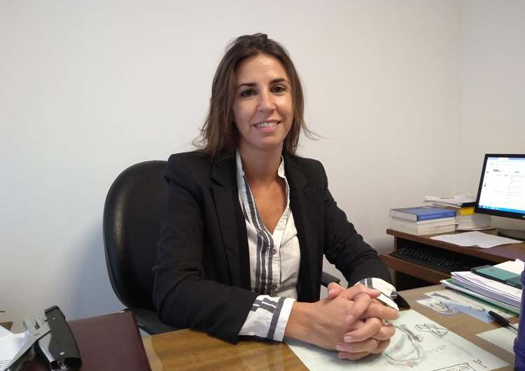 Julia De Paola se lanzó como precandidata de la UCR para la intendencia