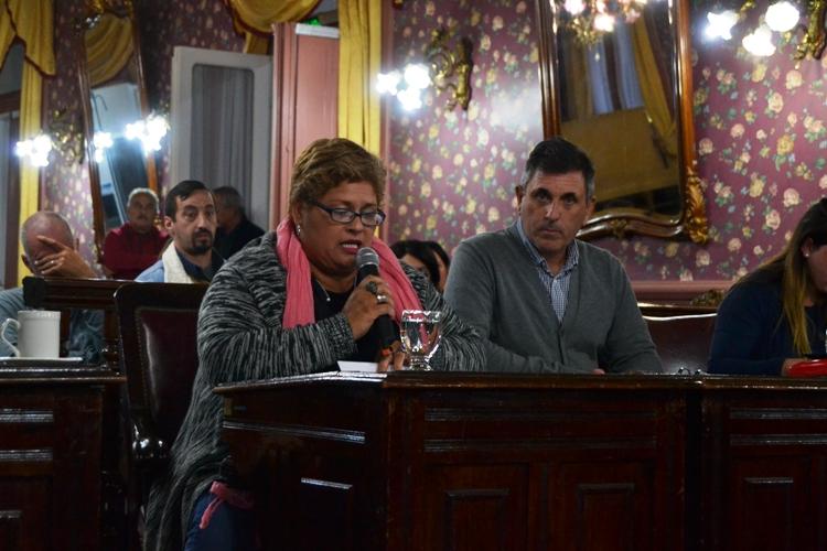 Proponen una nueva ordenanza para licencias de taxis