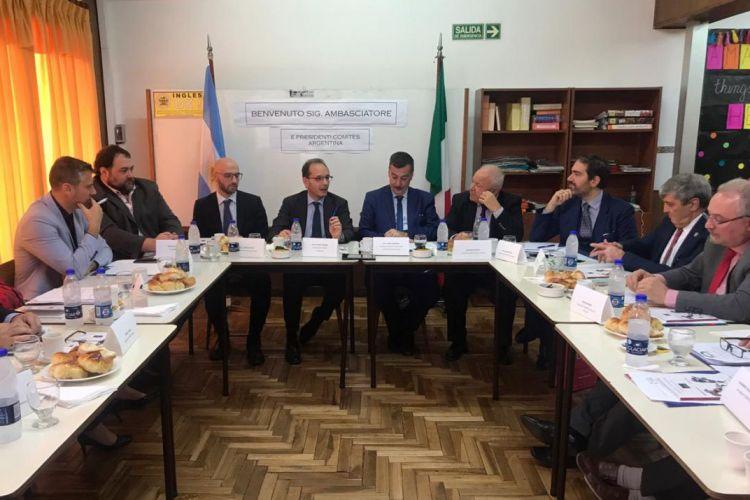 La Sociedad Italiana participó de la reunión de INTERCOMITES