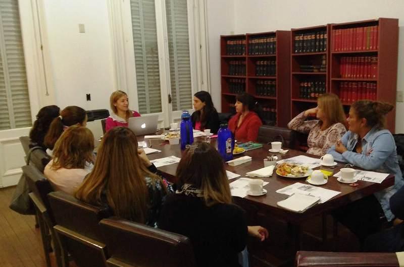 Mujeres empresarias iniciaron sus reuniones en la CEM