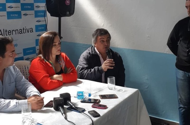 Carlos Selva de recorrida por 25 de Mayo