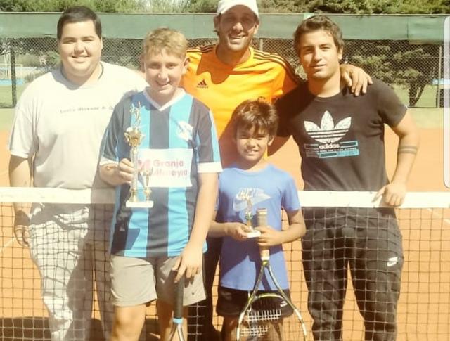 Santiago Cagnone se quedó con el segundo torneo de tenis del calendario de la Escuela