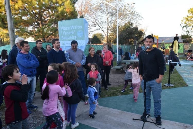"Inaugura municipio plaza inclusiva homenajeando a Walter ""Yacaré"" Sequeira"