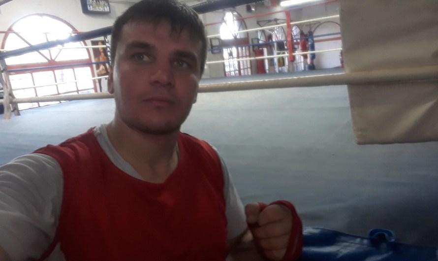 Juan Martínez se prepara para su tercera pelea profesional