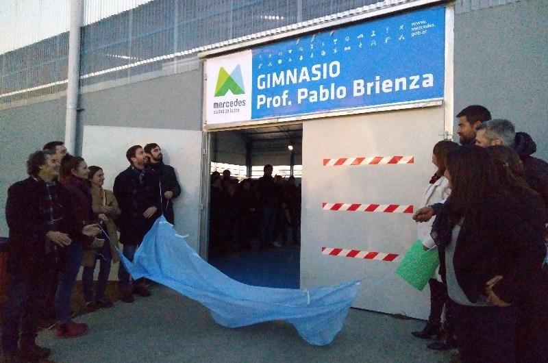 CEF N° 40: Inauguraron gimnasio Prof. Pablo Brienza
