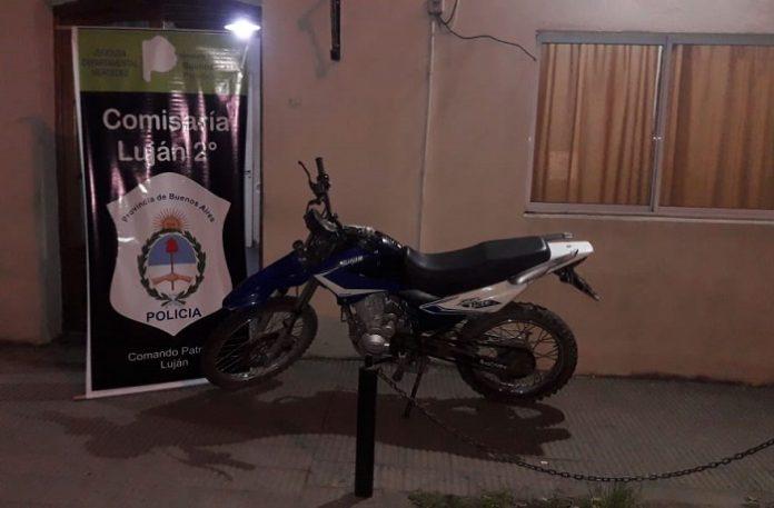 Quiso vender una moto robada y lo aprehendieron