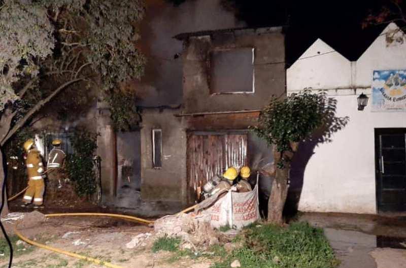 Incendio en una vivienda de calle 57, entre 16 y 18