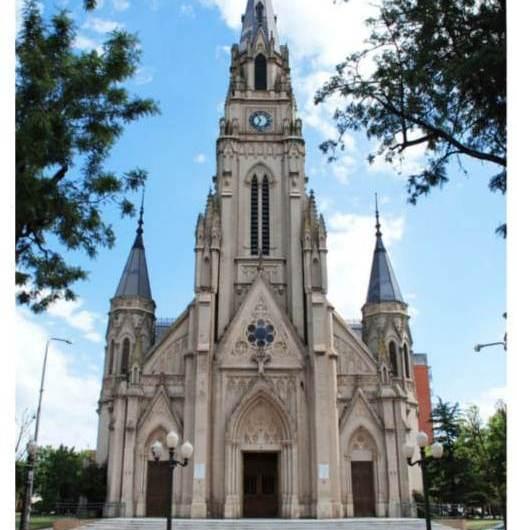 Misa con el Arzobispo por los 70 años de la Basílica Catedral