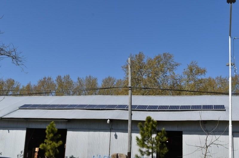 Comenzaron a funcionar los paneles solares en La Trocha