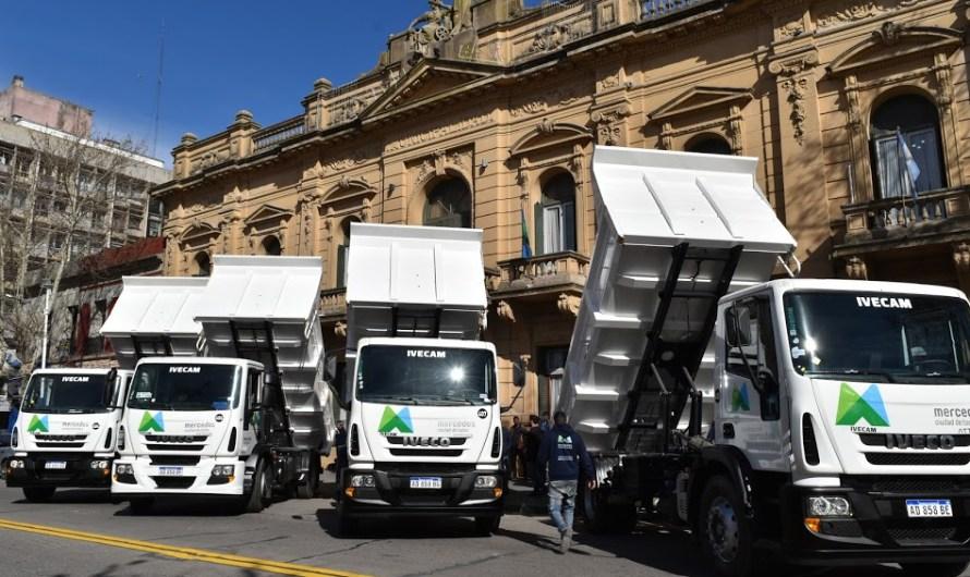 Ustarroz presentó 4 nuevos camiones 0km adquiridos por el Municipio para Servicios Públicos