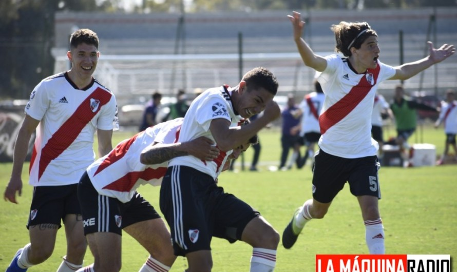 Dos goles de «Keko» Lucero en el superclásico ante Boca Juniors