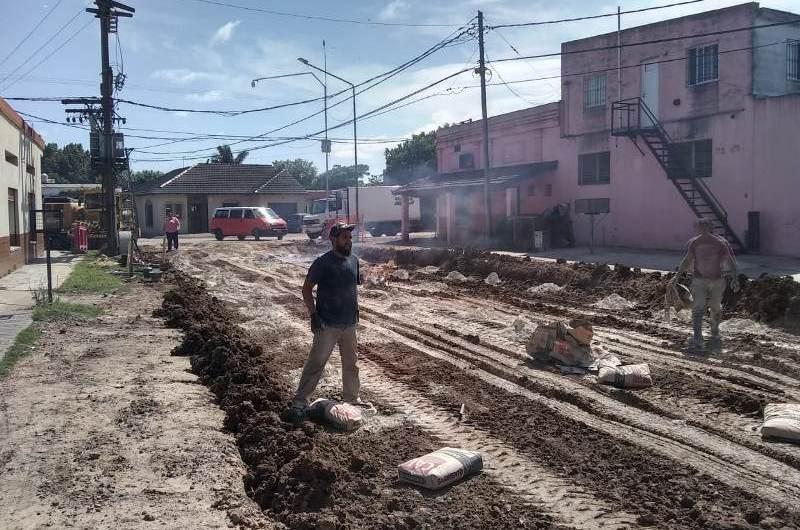 Continúan con la obra pluvial de calle 113 entre 16 y 22 bis