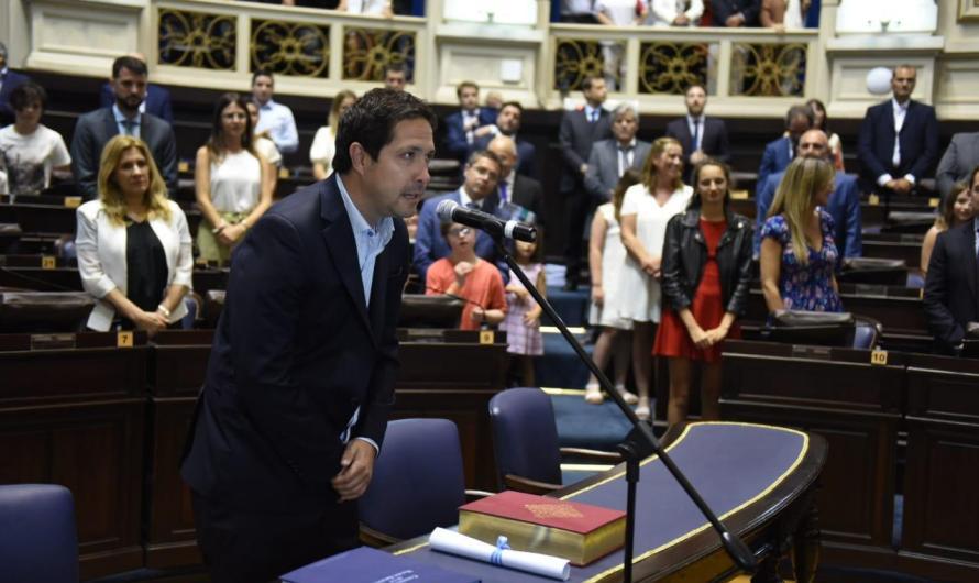 El mercedino Santiago Révora juró como Diputado Provincial