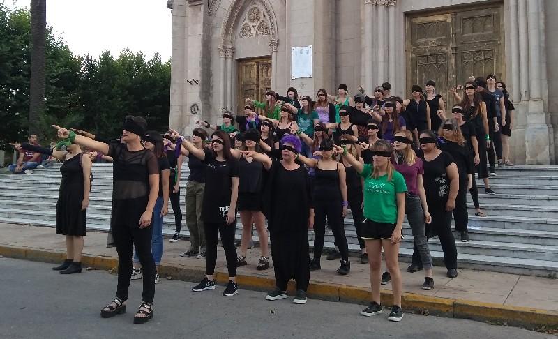 Mercedinas hicieron performance contra la violencia machista