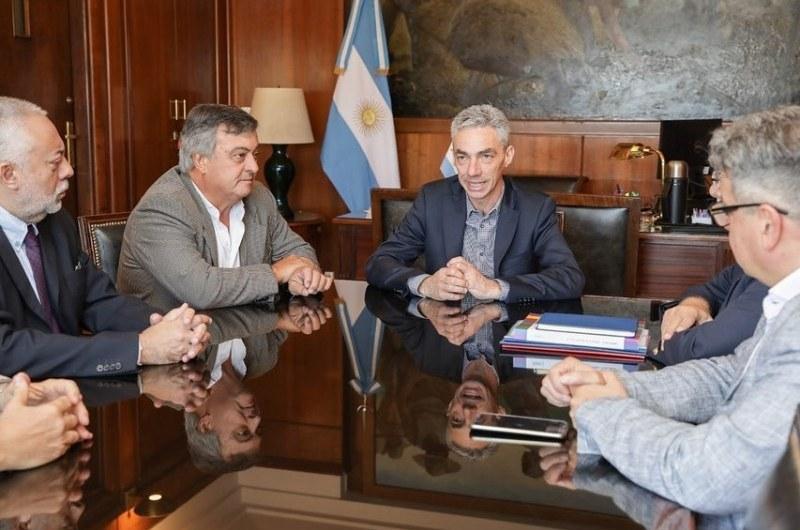 Carlos Selva, en el Ministerio de Transporte, en reunión por ferrocarriles