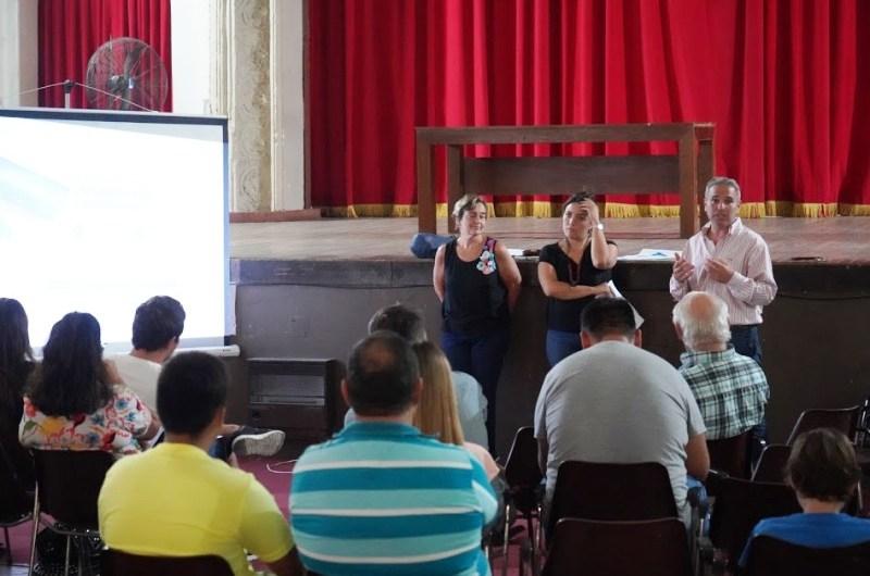 Reunión informativa con comerciantes para implementa la Tarjeta AlimentAR