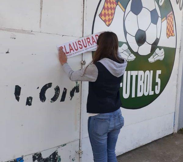 Municipio clausura cancha de fútbol 5 por violar la cuarentena