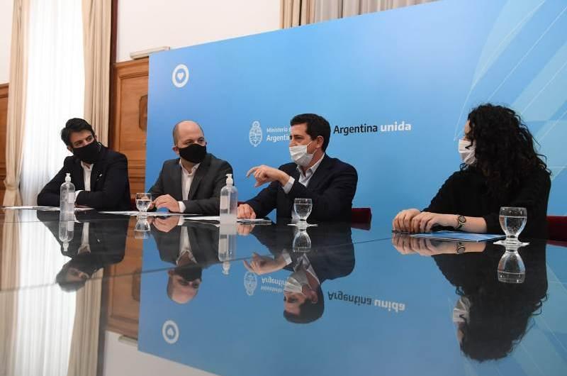De Pedro firmó convenio con el BICE para otorgar préstamos a los municipios
