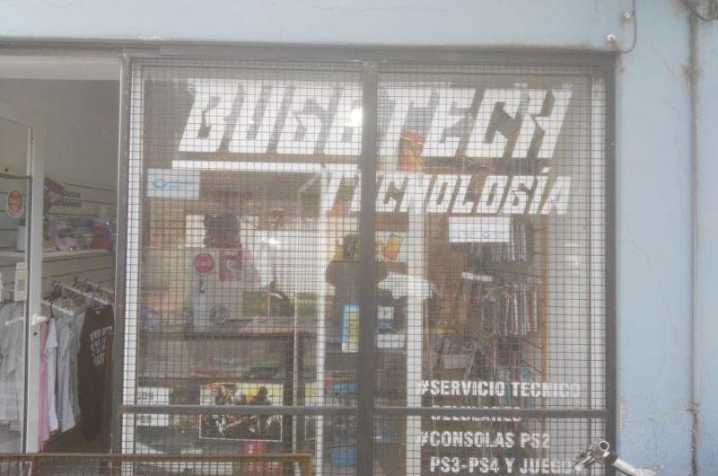 Roban en casa de artículos de tecnología que encuentran en allanamiento