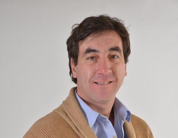 Juan Navarro busca ser el presidente del comité local