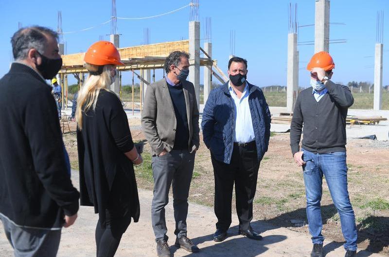 Ministros de Justicia y Obras de Nación recorrieron la Cárcel Federal de Agote