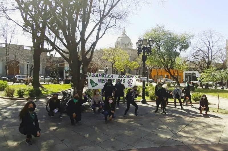 Asamblea de Mujeres Mercedinas realizó una intervención en la plaza San Martín