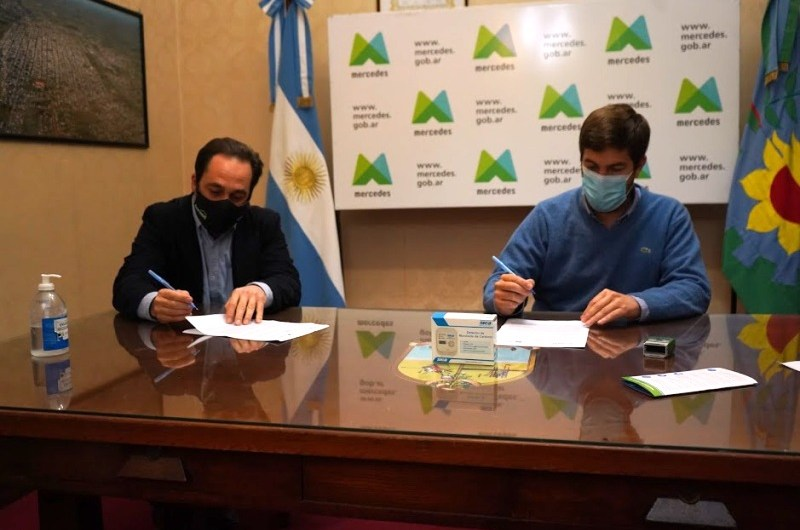 Municipio firma convenio con Fundación FOVISEE para proyectos de viviendas sustentables