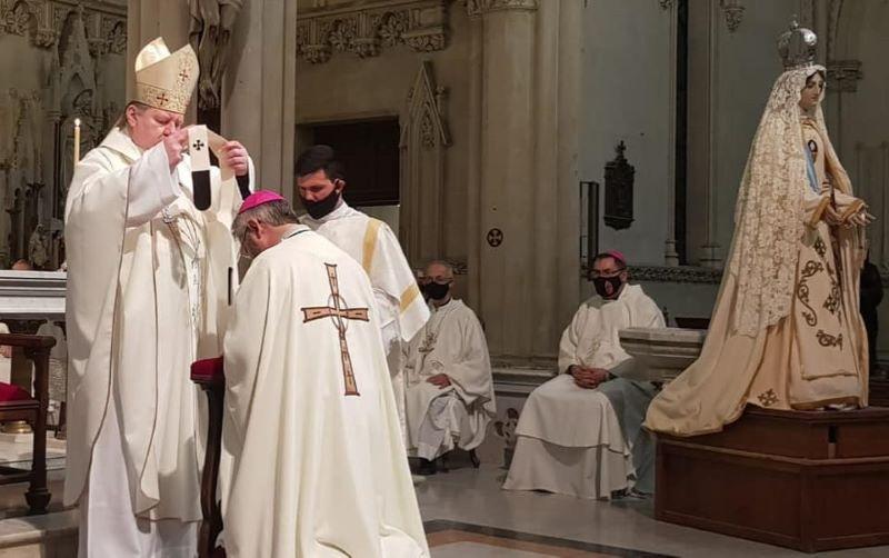 Nuncio Apostólico impuso el Palio al Arzobispo Metropolitano de Mercedes – Luján