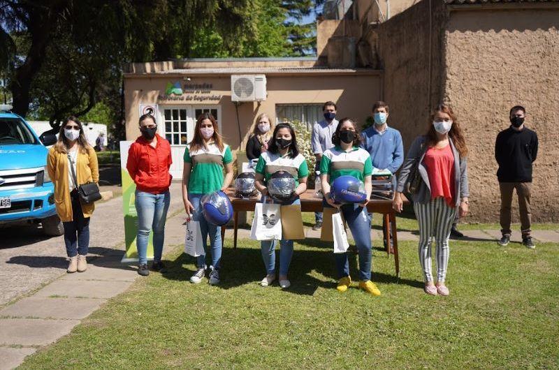 Reconocen a alumnos que trabajaron en campañas de seguridad vial
