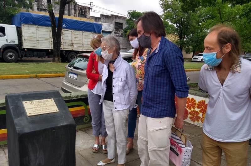 Homenaje al médico Manlio Gioscio en la plaza que lleva su nombre