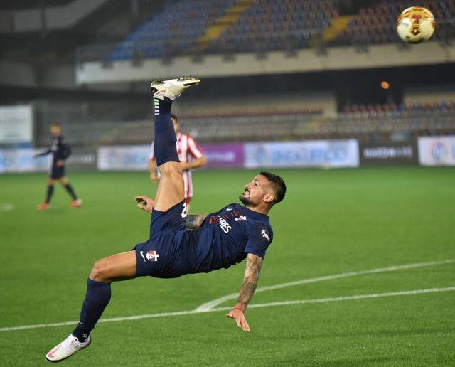 Mirá el gol de chilena de Facundo Lescano en la Serie C de Italia