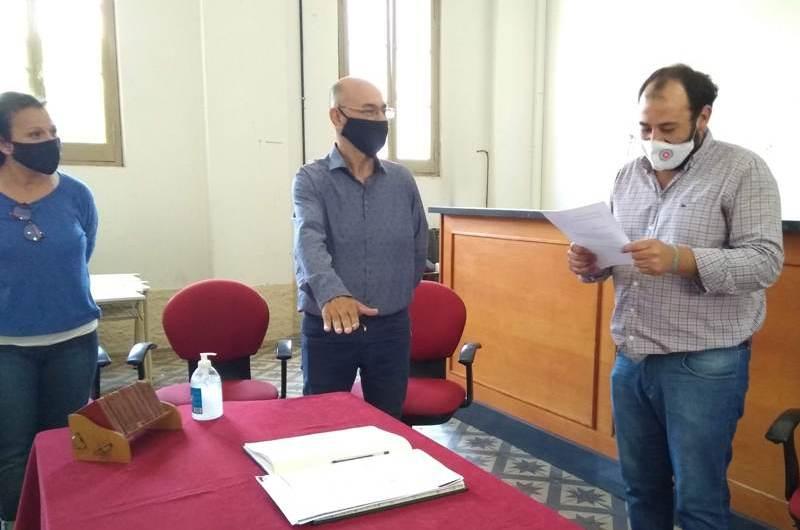 Ricardo Palacios juró como Consejero Escolar