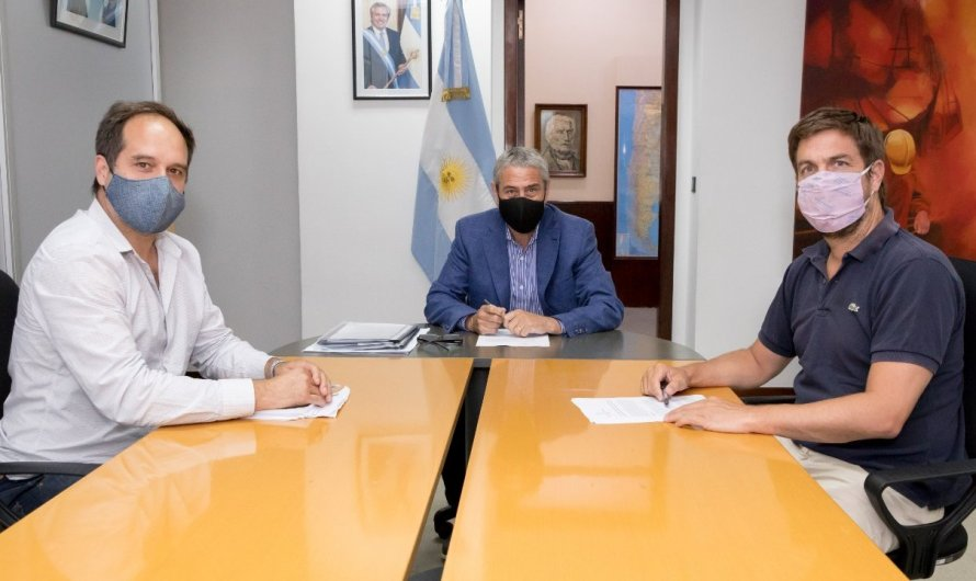 "El ministro Ferraresi e Intendente firmaron convenio de adhesión al programa ""Casa Propia"""