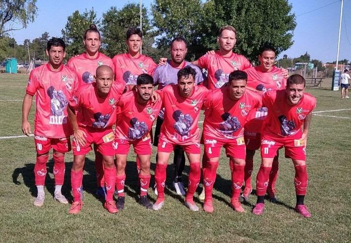 Independiente de Chivilcoy goleó y se clasificó a la final del Regional Amateur