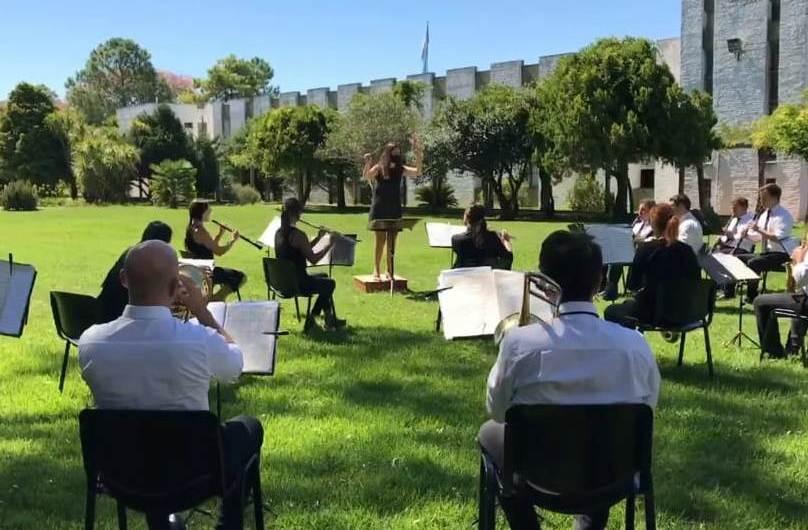La Banda de Música del Servicio Penitenciario Bonaerense rinde homenaje a Astor Piazzola