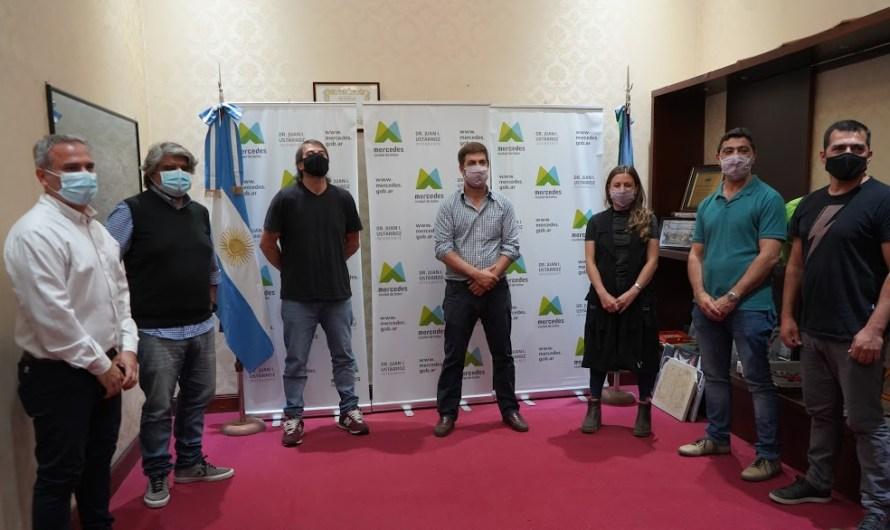 Ustarroz firma convenio con sindicatos a nivel nacional y provincial para promver el turismo en Mercedes