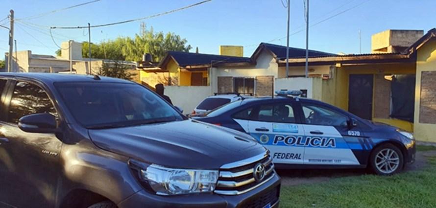 Tras investigación Policía Federal Mercedes desbarata kiosco de drogas en Giles