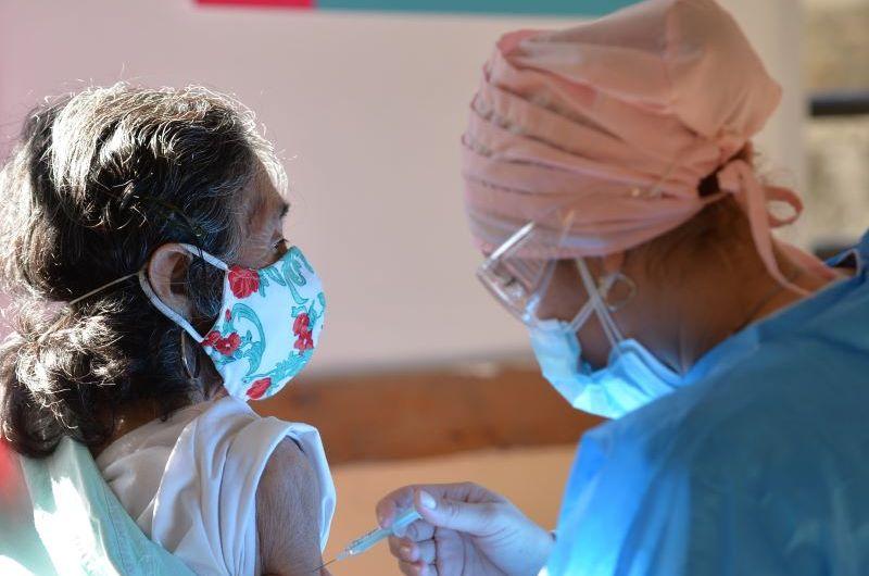 Provincia inmunizó más de un millón de personas mayores de 70 años