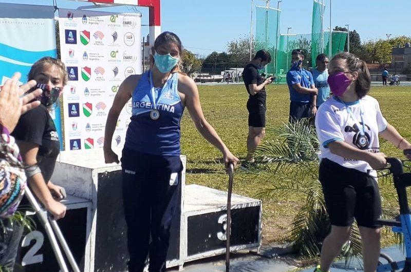 Romina Fernández superó su marca personal en lanzamiento de clava