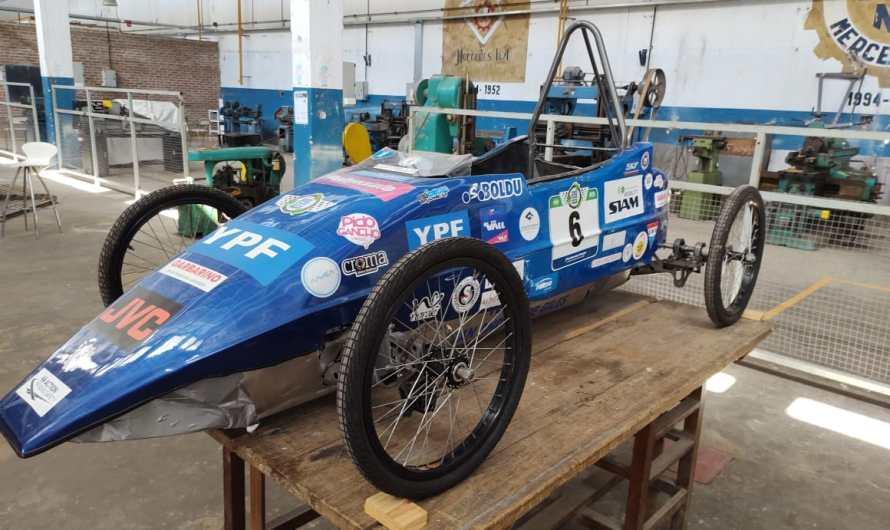 La Técnica Nº1 prepara un auto eléctrico y busca competir en el Gálvez