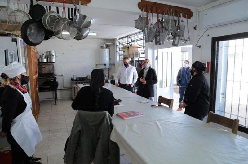 La Ministra de Trabajo visitó el Centro de Formación Profesional N° 401