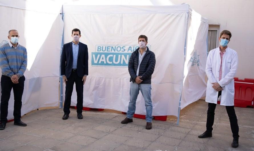 Ustarroz y De Pedro recorrieron los Centros de Vacunación
