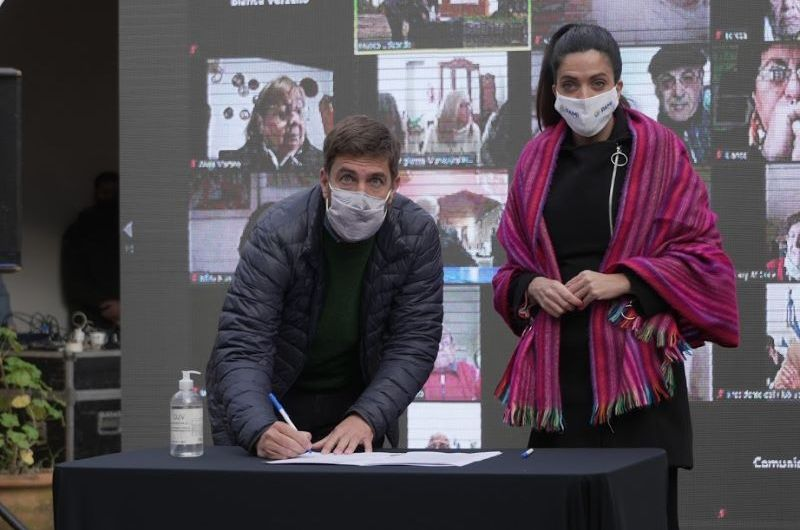 Municipio firma convenio con PAMI