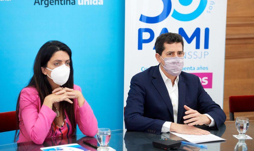 Wado de Pedro y Volnovich encabezaron la firma de convenios para la reconstrucción de centros de jubilados