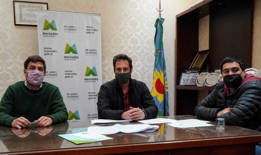 Ustarroz firma convenio para iniciar obras de infraestructura en el Sector Industrial Planificado
