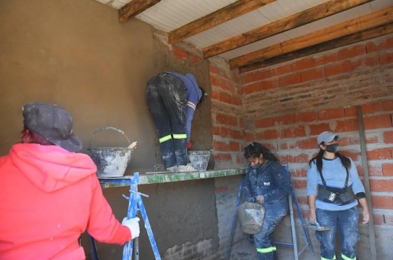 """""""Programa de Vivienda Justa"""": trabajo, solidaridad y capacitación para las albañilas"""