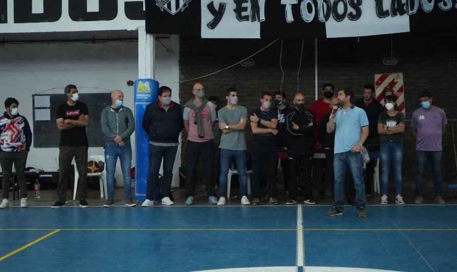 Ustarroz destacó el trabajo de la Asociación Mercedina de Básquet