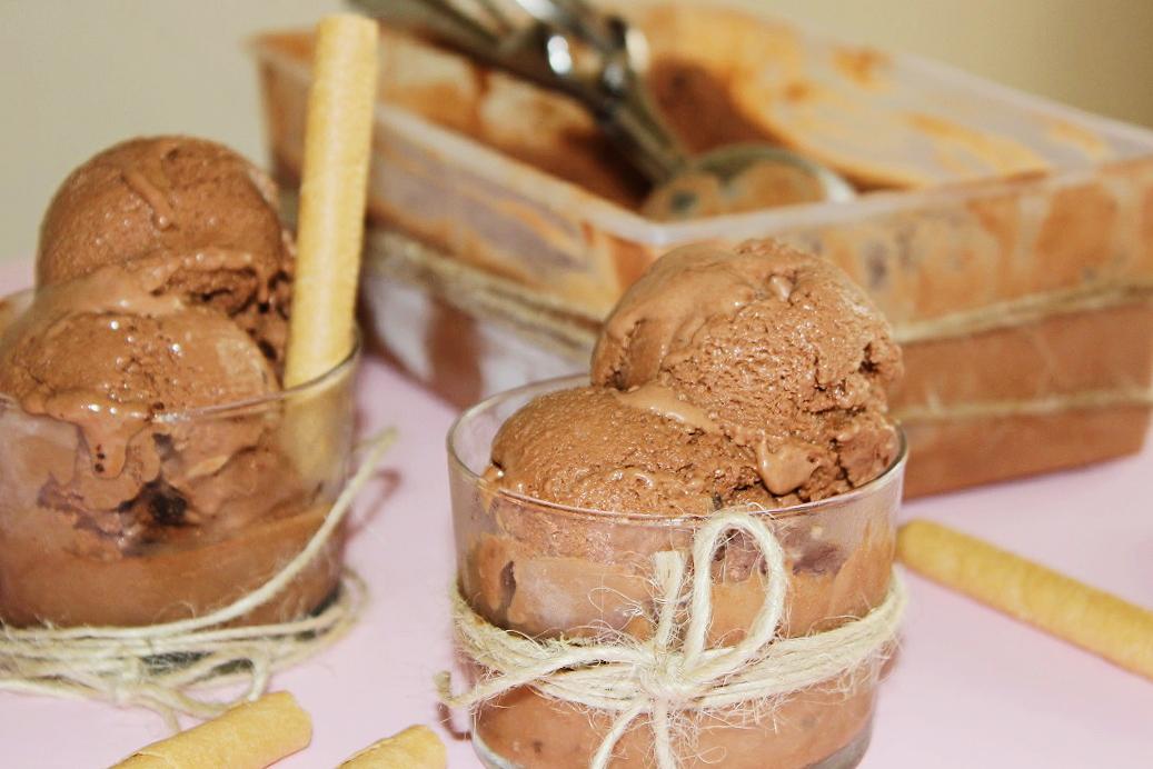 helado cucurucho barquillo chocolate