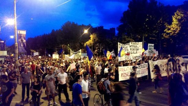image-2013-09-8-15538497-41-protest-rosia-montana-ziua-8-26