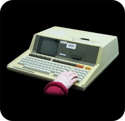 Hewlett-Packard-85 personal computer - 3/4 view.